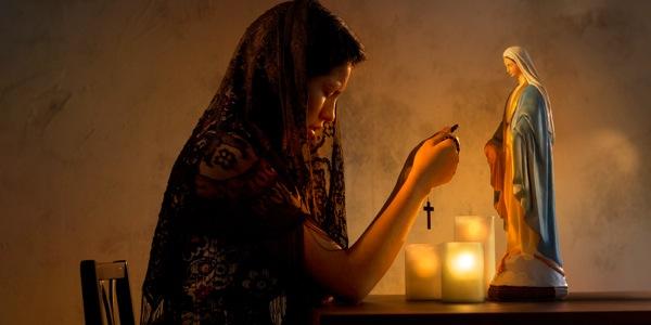 kak-pravilno-molitsja-v-cerkvi