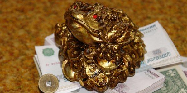 amulet-na-dengi