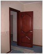prognat-tarakanov-cherez-dver