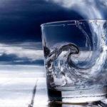 ТОП-12 заговоров на воду: на деньги, похудение и желание