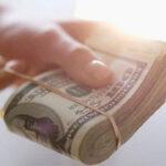 ТОП-8 молитв на возврат денежного долга